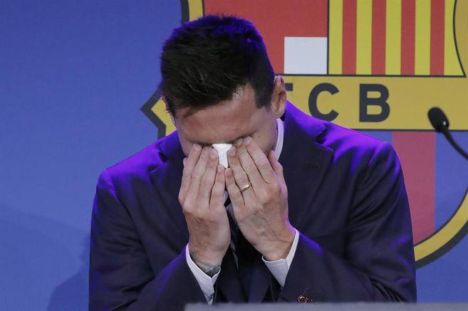 Video: Entre lagrimas, así se despidió Lionel Messi de Barcelona | Lionel Messi hoy