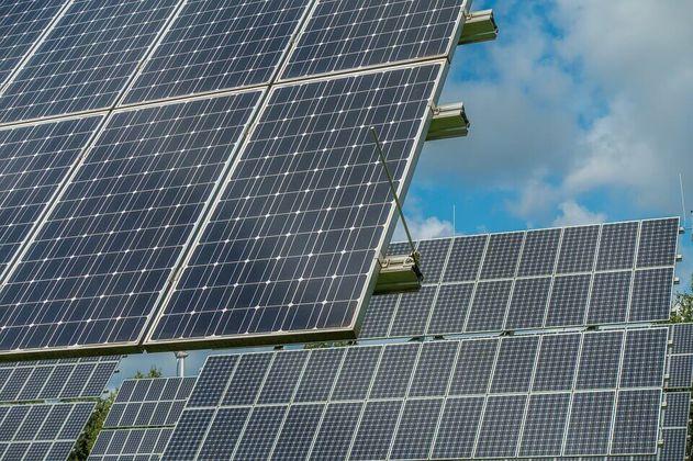 Aumento de precios de paneles solares amenaza objetivos climáticos