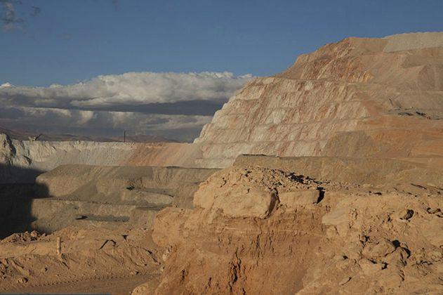 Chile cierra una de las minas de oro a cielo abierto más grandes por problemas ambientales