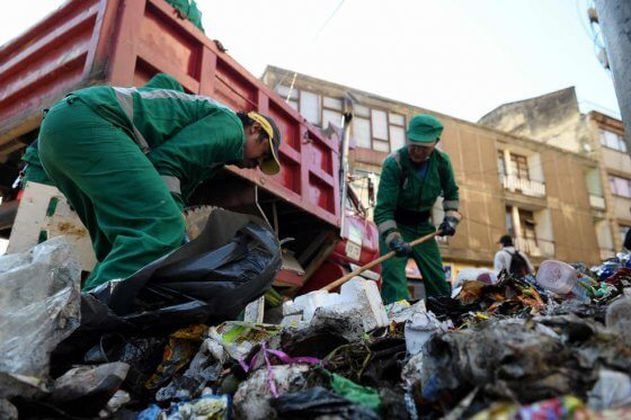 Más de 6.300 operadores de aseo trabajan a diario para limpiar Bogotá durante el aislamiento