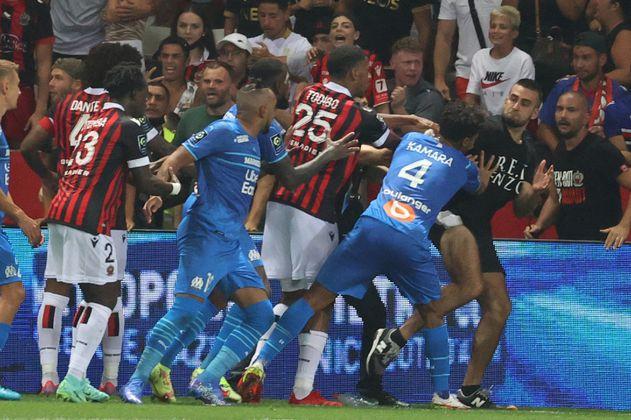 Niza vs. Marsella: suspendido por invasión de aficionados