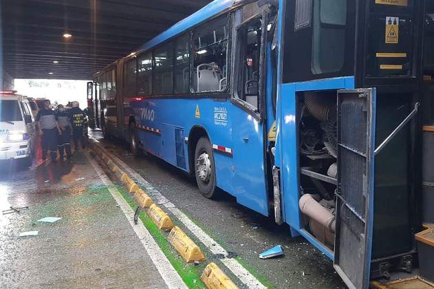 Diez personas heridas en Cali, tras choque entre bus del MIO y un carro