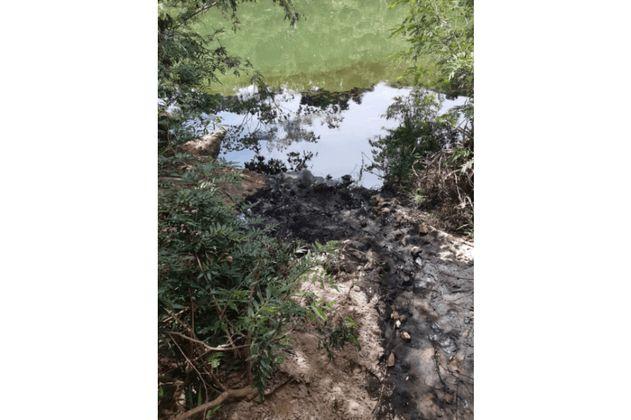 Al menos 25 mil personas quedaron sin agua por derrame de crudo en el río Tibú
