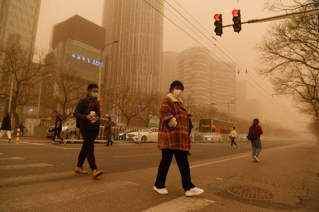 Pekín, nuevamente cubierta por tormenta de arena