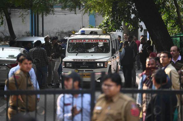 Cerca de 43 muertos en un incendio de una fábrica en Nueva Delhi