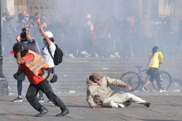 """En fotos: paro nacional del """"21S"""" culminó con enfrentamientos y actos vandálicos en Bogotá"""