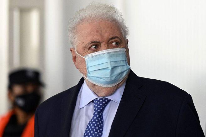 El presidente Alberto Fernández le pidió la renuncia al ministro de Salud, Ginés González García, por vacunar a sus allegados en su despacho.