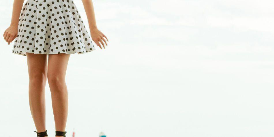 Lo que debes vestir si eres de baja estatura
