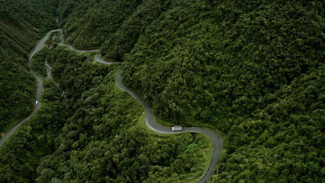 """""""Trampolín de la muerte"""". Vía que conduce al Valle de Sibundoy, en Putumayo."""