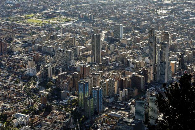 Movilidad, seguridad y salud, en lo que se raja Bogotá