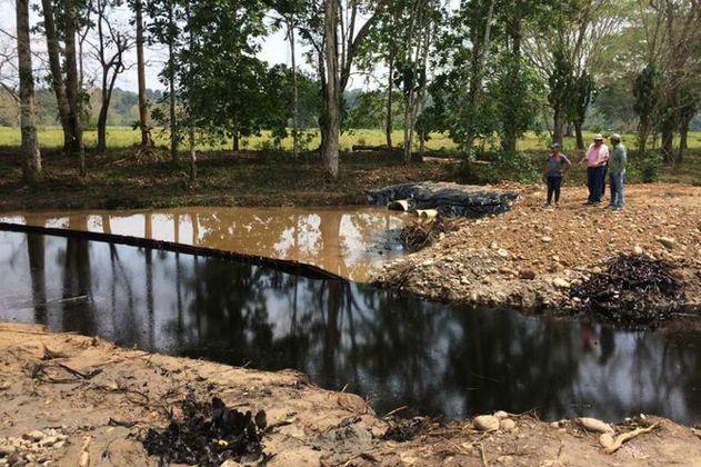 Nuevo derrame de crudo en la quebrada La Lizama fue reportado por Ecopetrol