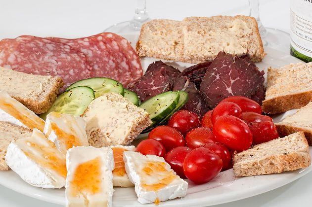 Proteínas: qué son, qué alimentos las tienen y cuáles aumentan tu masa muscular