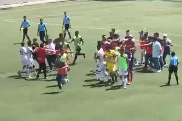 Batalla campal entre Talentos Envigado y Patriotas en el torneo sub 17