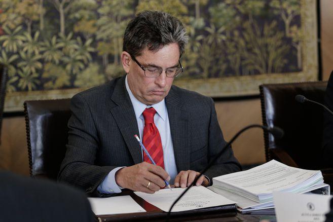 Alberto Carrasquilla ya había ocupado el Ministerio de Hacienda entre 2003 y 2007.