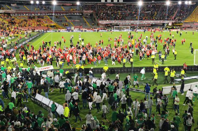 Opinión: Barrismo, un asalto a una tribuna y sentido del deporte