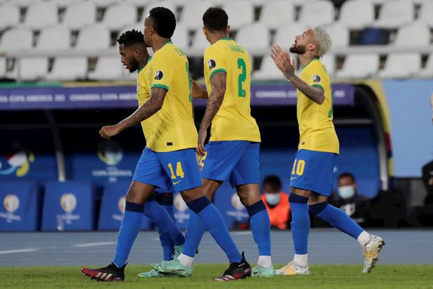 Brasil goleó a Perú y está en octavos de la Copa América