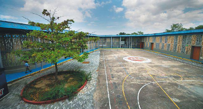 Hasta el 24 de enero de 2020, el colegio Clemente Manuel Zabala era parte de la concesión Fe y Alegría, condición que lo hacía ser una institución privada.
