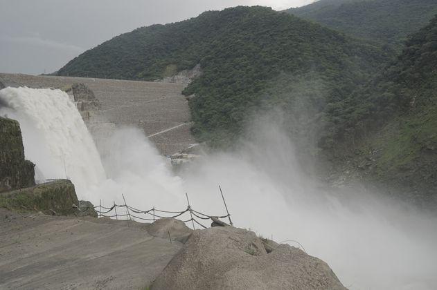 Así se estudia la calidad del agua que llega y sale del embalse de Hidroituango