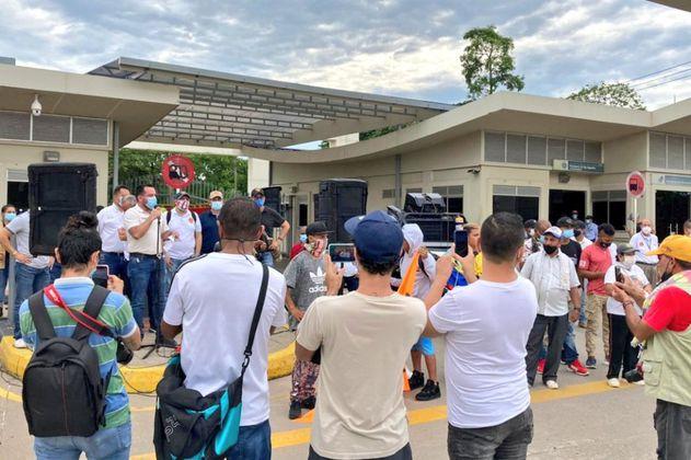 Sindicalistas se declaran en asamblea permanente en refinería de Ecopetrol
