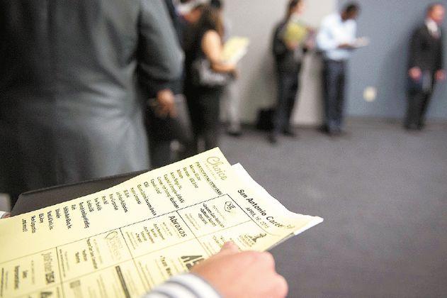 Solicitudes por desempleo en EE. UU., con primera alza desde abril