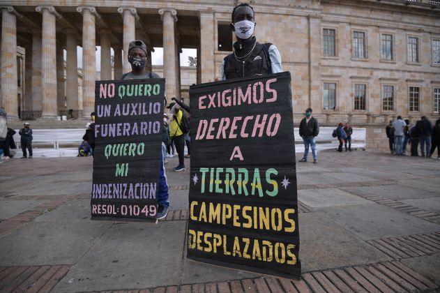 """""""La Ley de Víctimas tiene una gran deuda con la reparación familiar"""": Mesa Nacional de Víctimas"""