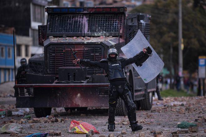 La cuarta semana del Paro Nacional desencadenó una situación compleja en la localidad Usme, al sur de Bogotá. Desde tempranas horas de la mañana se presentaron bloqueos, plantones y protestas en el sector de Yomasa.