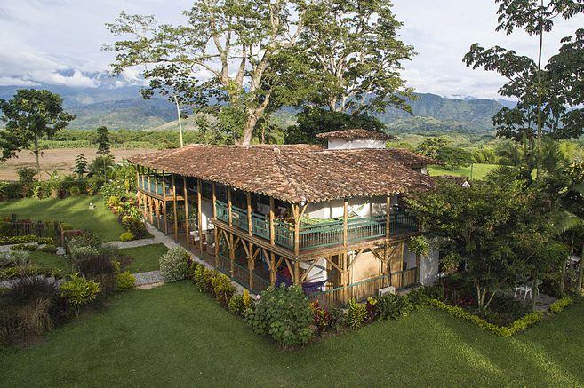 Turismo en Colombia, Hacienda Bambuesa, en el Eje Cafetero.