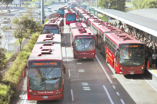 Después de críticas, Peñalosa cambia puntos de licitación para nuevos buses de Transmilenio