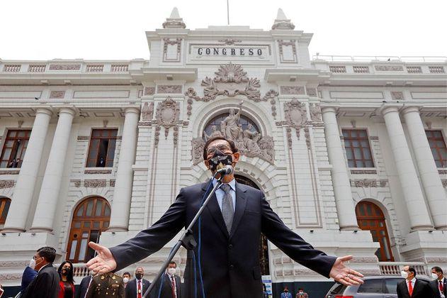 Congreso del Perú inhabilitó por 10 años al expresidente Vizcarra por escándalo de vacunación