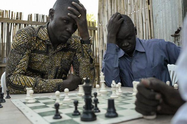 Jugar al ajedrez para olvidar la guerra en Sudán del Sur